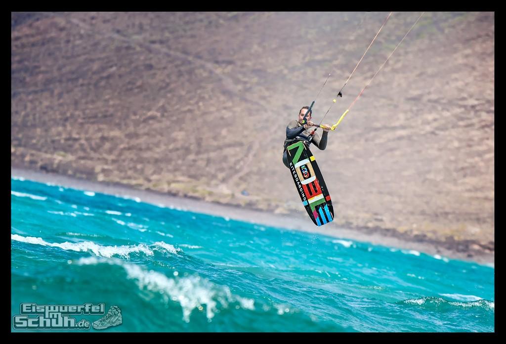 EISWUERFELIMSCHUH – Surfgeschichten Lanzarote Famara Surfen Kite I (17)