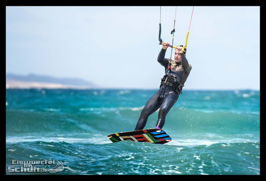 EISWUERFELIMSCHUH – Surfgeschichten Lanzarote Famara Surfen Kite I (18)