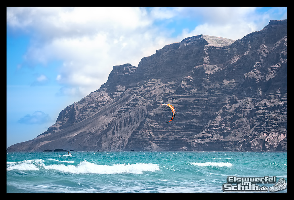 EISWUERFELIMSCHUH – Surfgeschichten Lanzarote Famara Surfen Kite I (8)