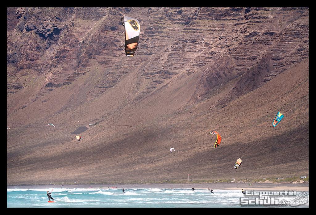 EISWUERFELIMSCHUH – Surfgeschichten Lanzarote Famara Surfen Kite I (9)