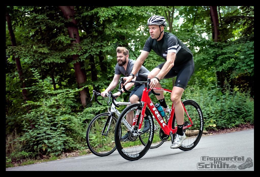EISWUERFELIMSCHUH – FitBit Jens Voigt Tour de Berlin Fitness Tracker Radsport (54)