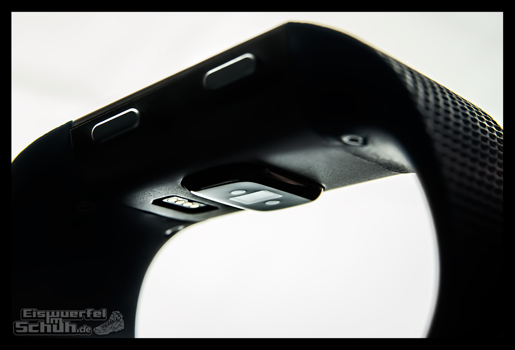 EISWUERFELIMSCHUH – FitBit Surge Jens Voigt Tour de Berlin Fitness Tracker Smartwatch (5)