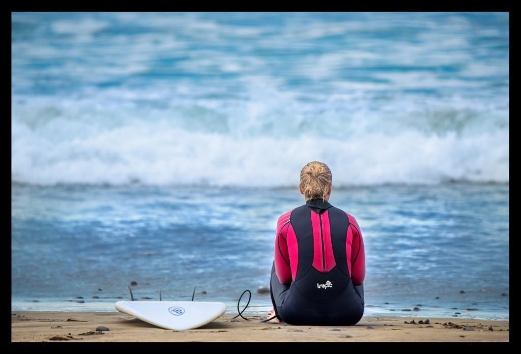 Surfen auf Lanzarote am Strand von Famara