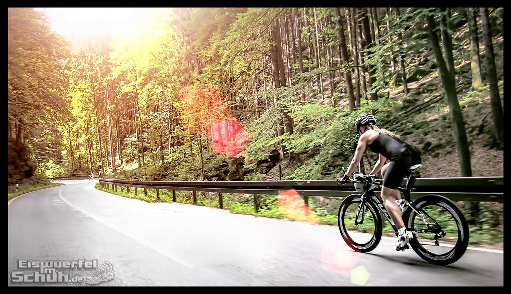 eiswuerfelimschuh-triathlon-fitness-blog-radfahren-wald