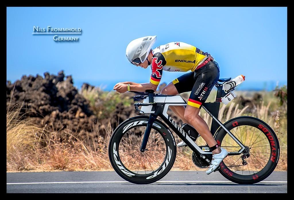 Ironman World Championship Nils Frommhold in Kona auf der Radstrecke auf der Landstraße