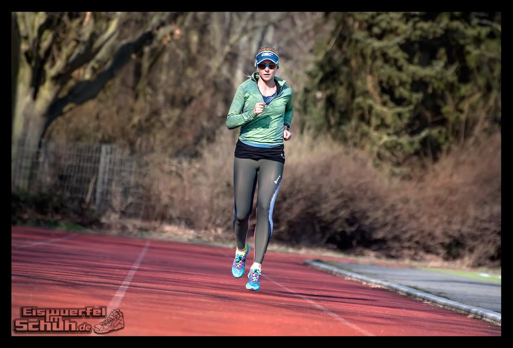 eiswuerfelimschuh-training-top-tipps-triathlon-laufen-yoga-2016-fitness-blog-1