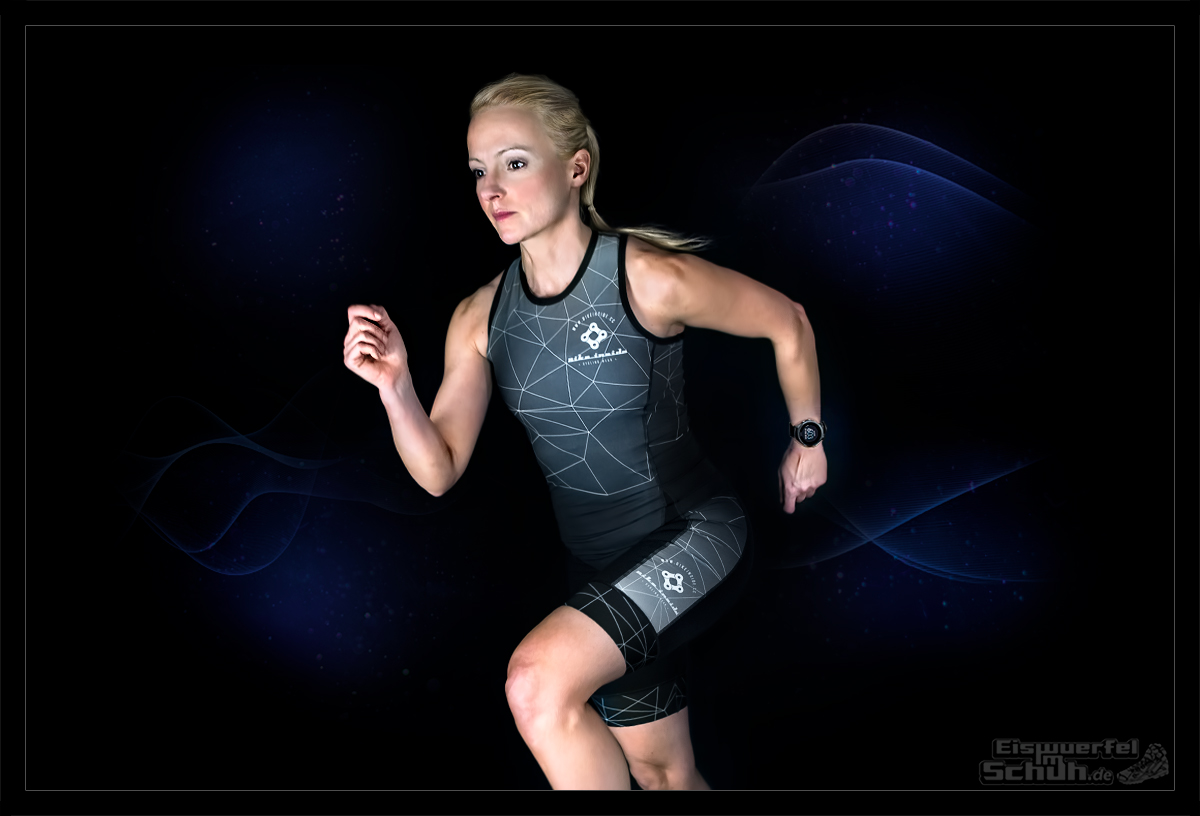 Garmin Forerunner 935 an Triathletin in Bike Inside Tri Suit