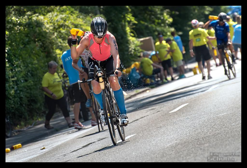 Ironman Frankfurt Wasserstation Sommer Hitze Radstrecke