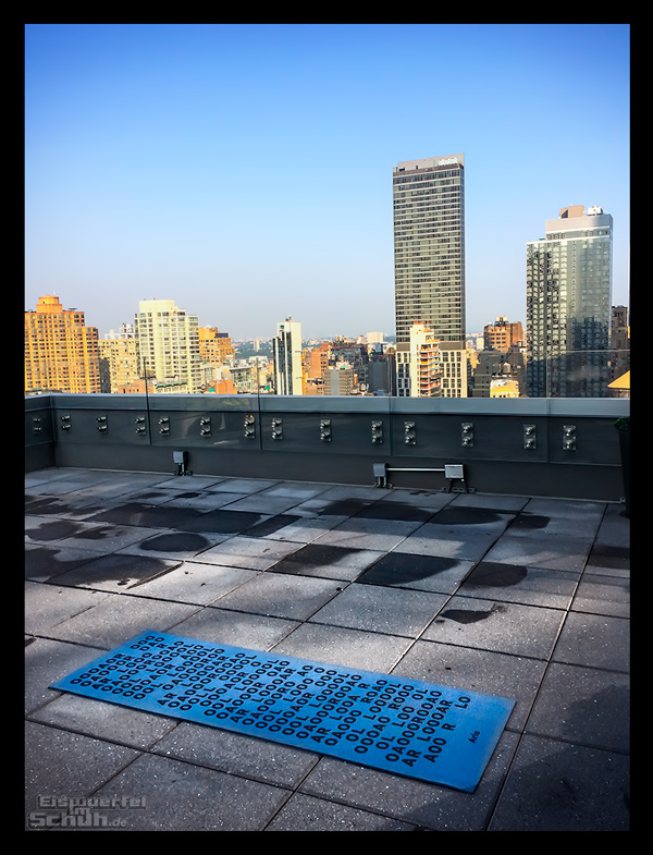 Rooftop Yoga in New York auf dem Arlo Hotel