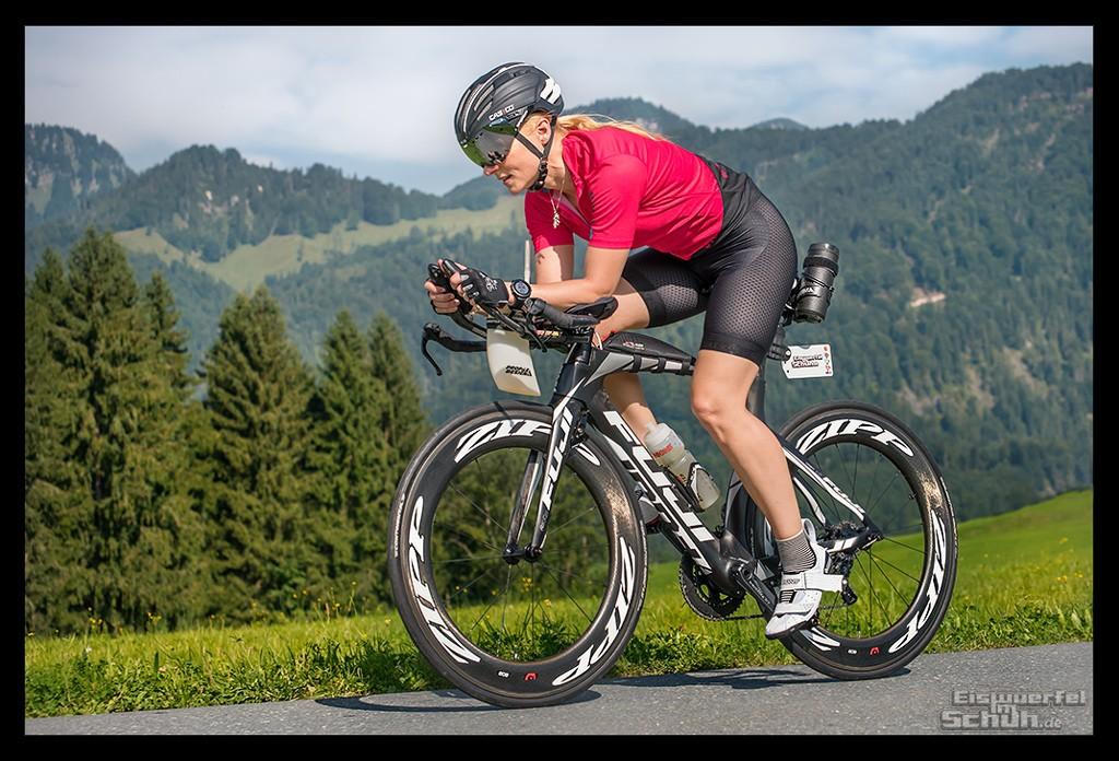 Radsporturlaub im Kaiserwinkl Radsportlerin auf Fuji Zeitfahrrad mit Bont Cycling Powertap und Everve Trikot und Hose