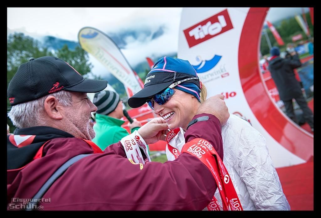 Challenge Kaiserwinkl-Walchsee Triathletin mit Medaille