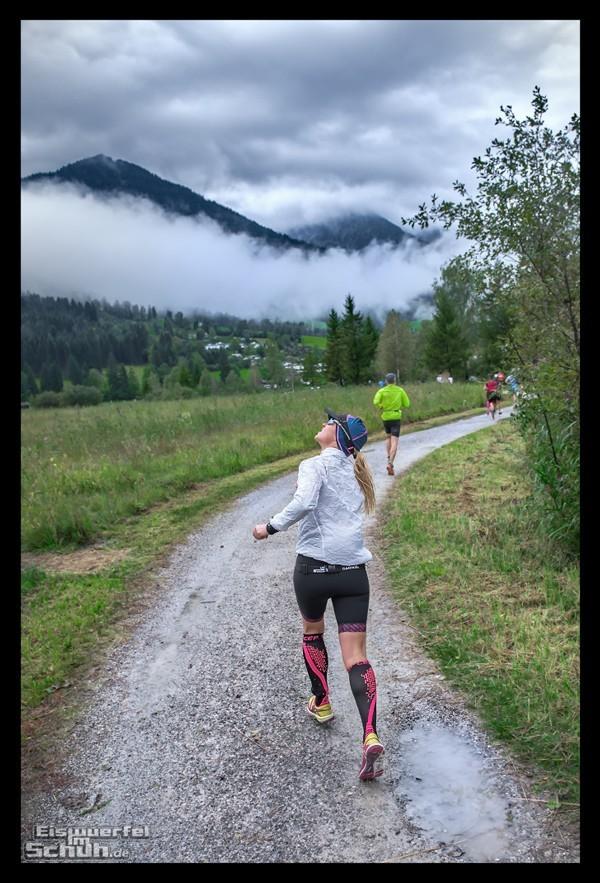 Challenge Kaiserwinkl-Walchsee Triathletin auf der Laufstrecke