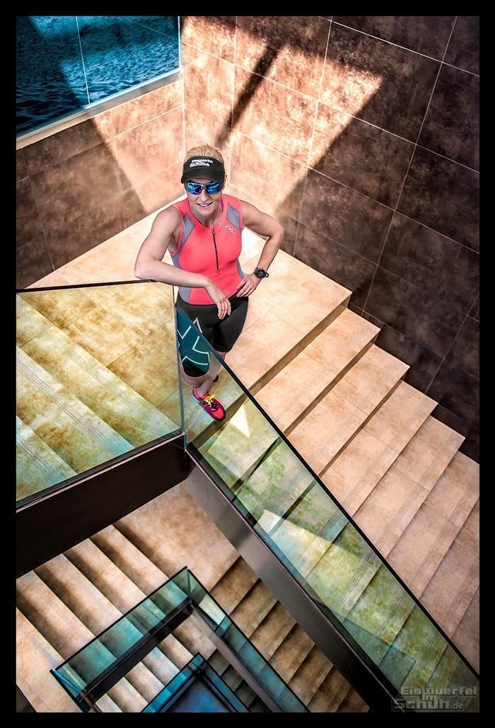Treppentraining Guide - Triathletin trainiert Kraftausdauer Schnelligkeit Lauftechnik