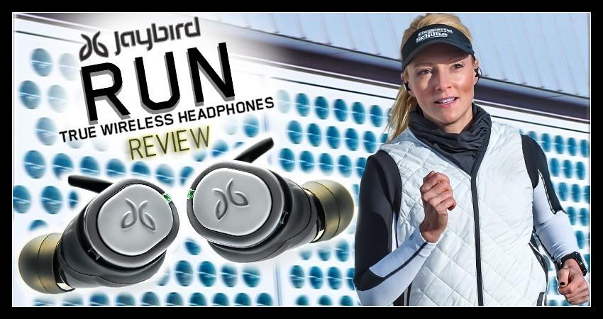 Läuferin mit Jaybird RUN kabellose Kopfhörer für den Sport