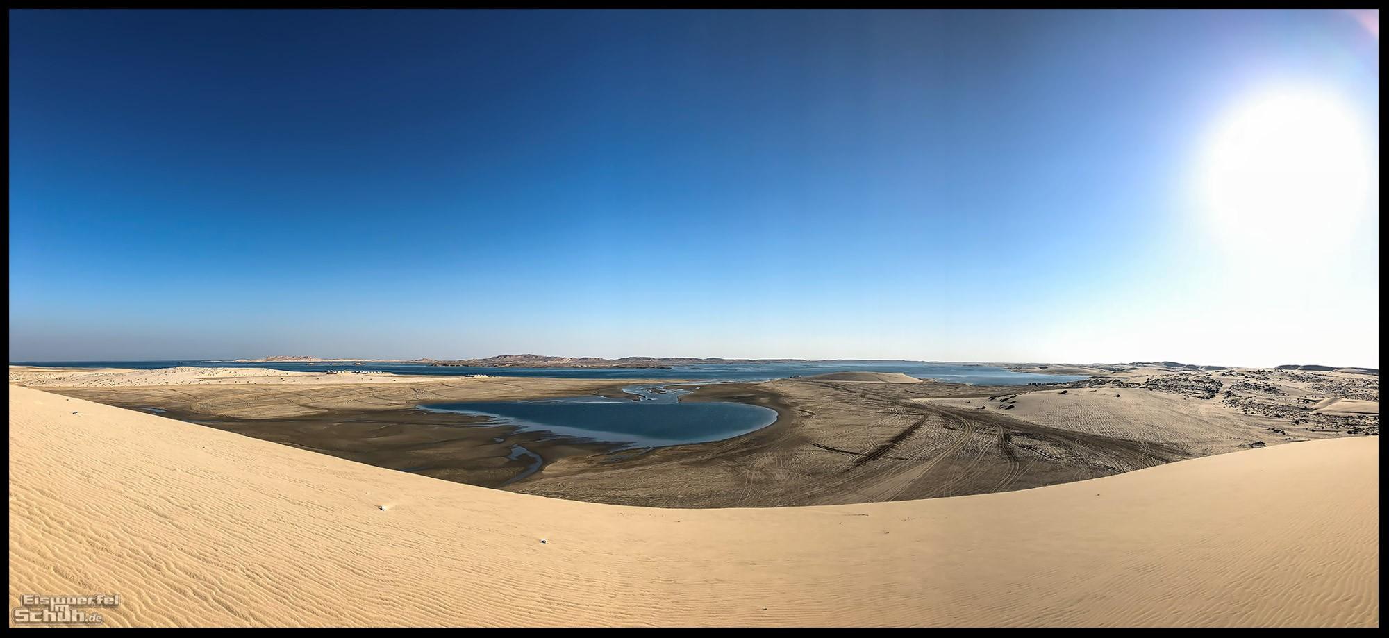 Genuss des Nichts in der Wüste von Katar mit Blick auf Saudi Arabien