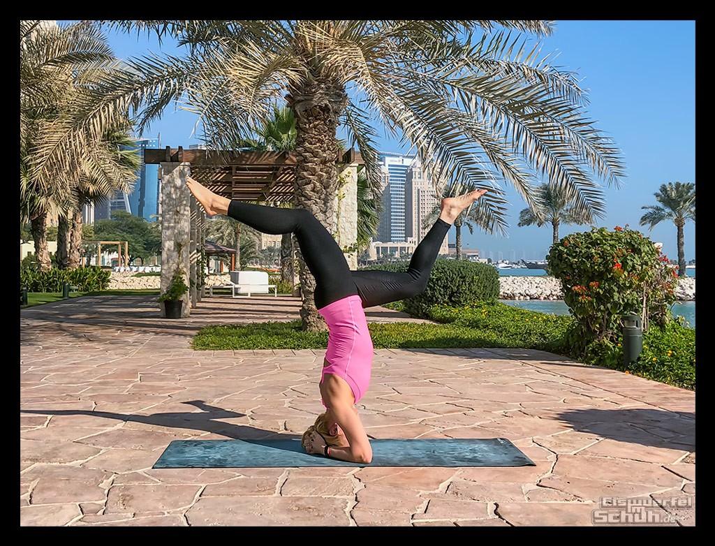 Yoga Kopfstand am Meer - Yoga für mehr Stabilität, Kraft, Sicherheit für Triathleten