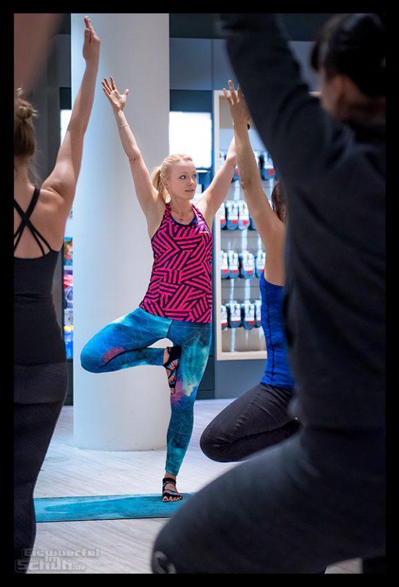 Yoga & Laufen Workshop mit Nadin von EiswuerfelImSchuh.de im Lunge Laufladen Berlin