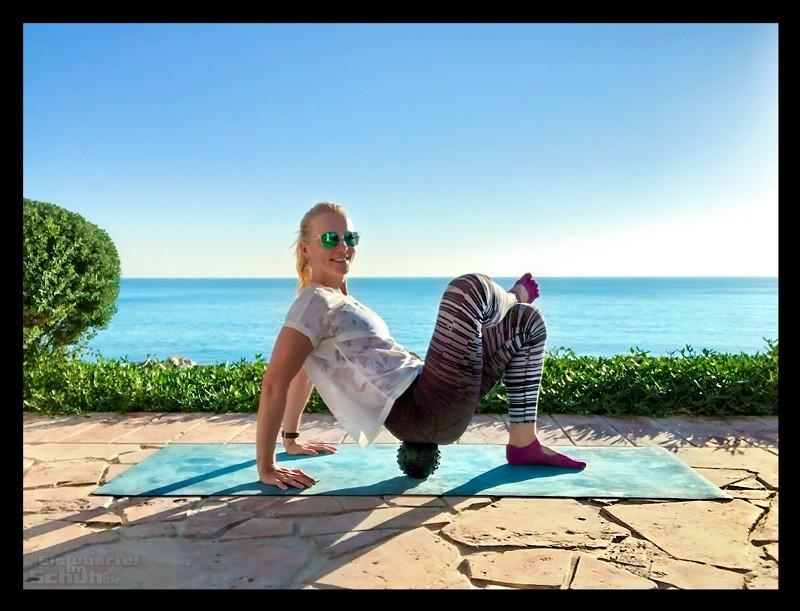 Yoga und Laufen mit Faszienmassage mit Undivided Ball EISWUERFELIMSCHUH
