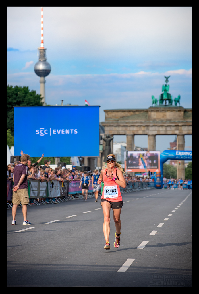 Avon Frauenlauf Berlin Zielgerade Brandenburger Tor