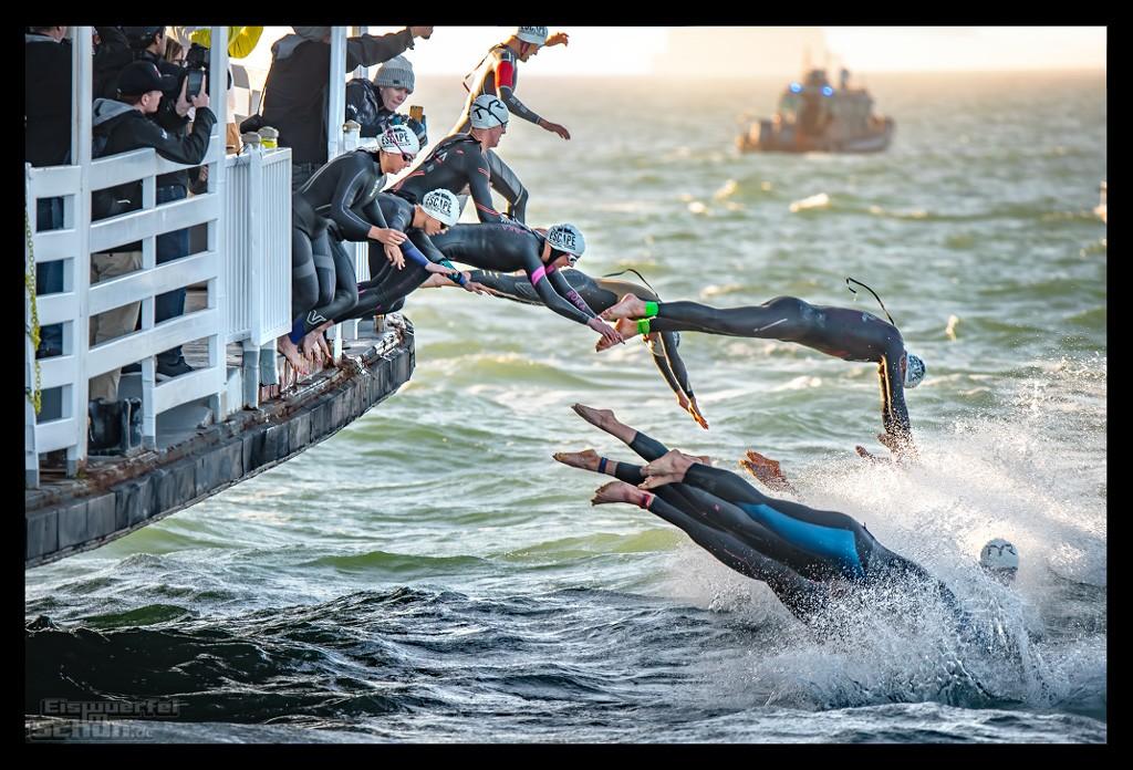 Schwimmen beim Escape from Alcatraz Triathlon