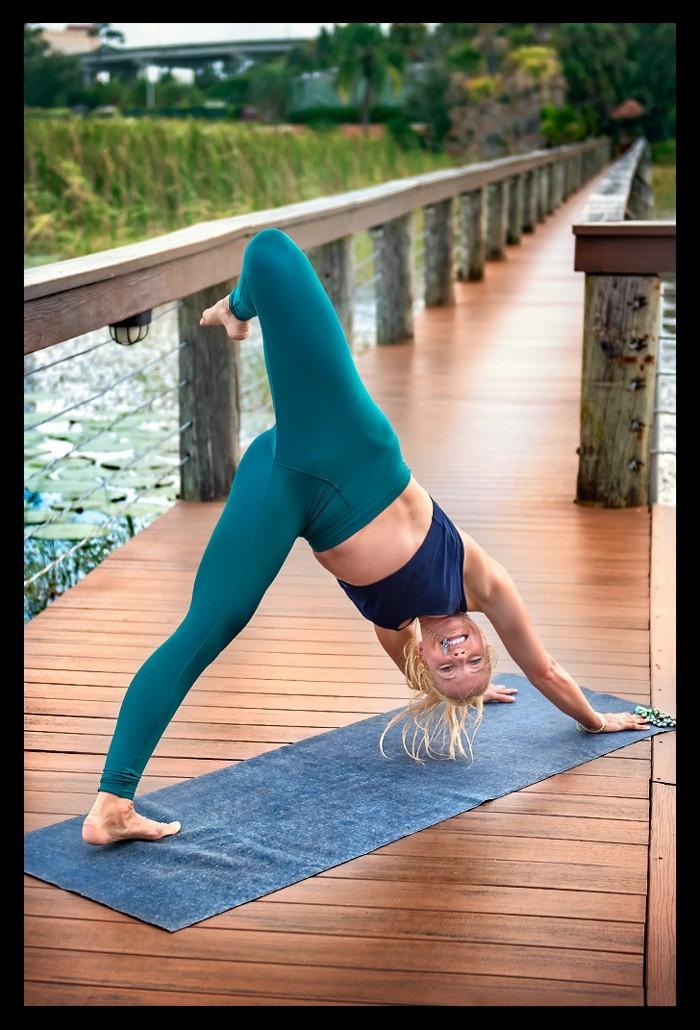 Yogaübungen für mehr Lebendigkeit und Sonne im Herzen