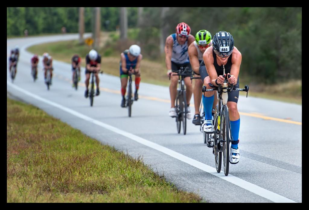 Ironman Florida 2018 Radstrecke mit langgezogener Landstraße