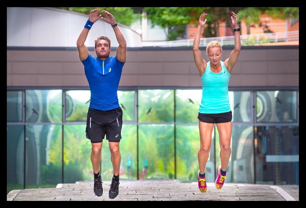 Athletiktraining für Läufer Hock-Streck-Sprünge