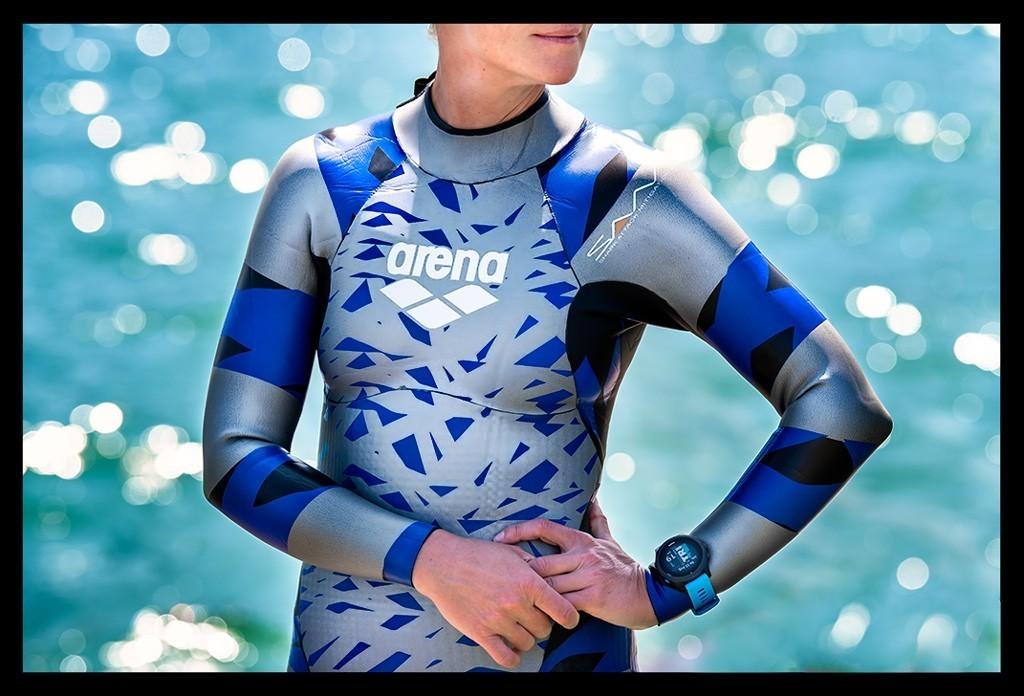 Ironman Schwimmtraining im Arena Neoprenanzug mit Garmin Forerunner 945