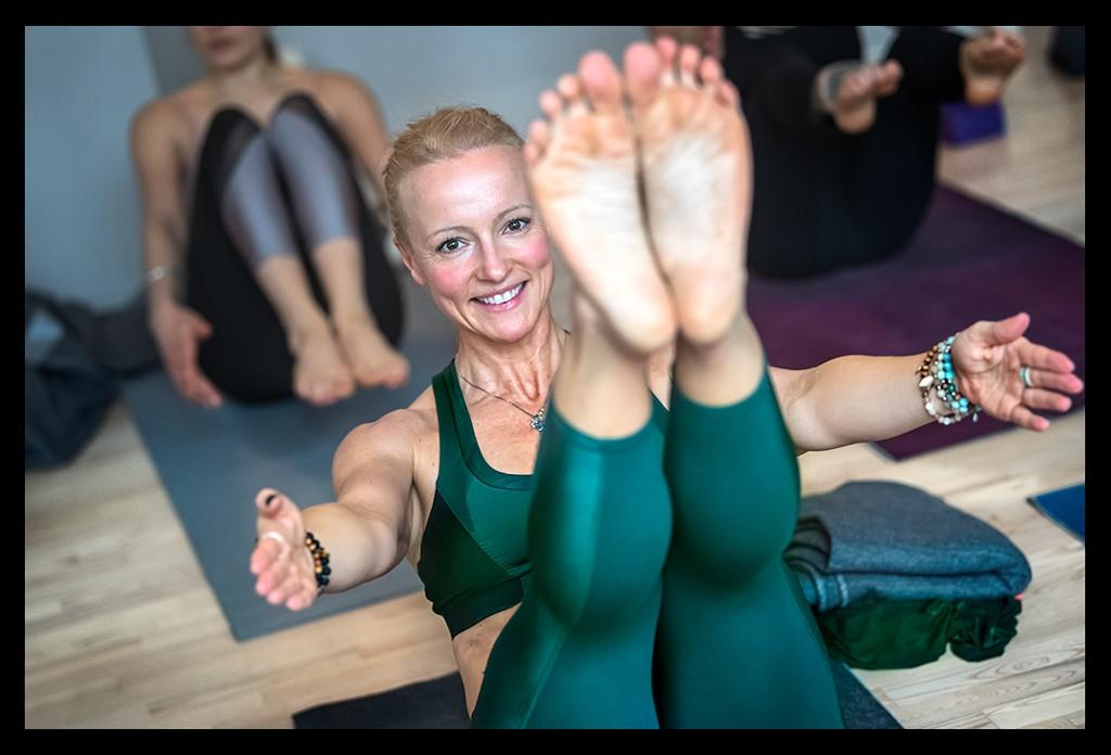 Yoga Girl Boot Asana Shalabhasana