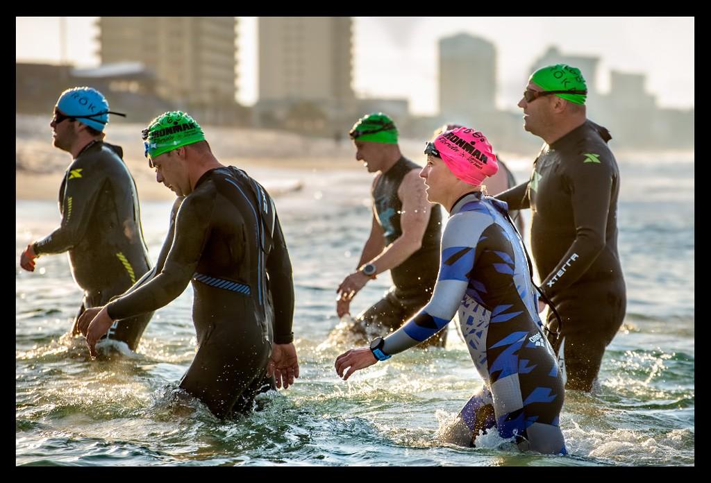 Ironman Florida Triathltes in Panama City Beach am Strand Beach Schwimmen Swimming