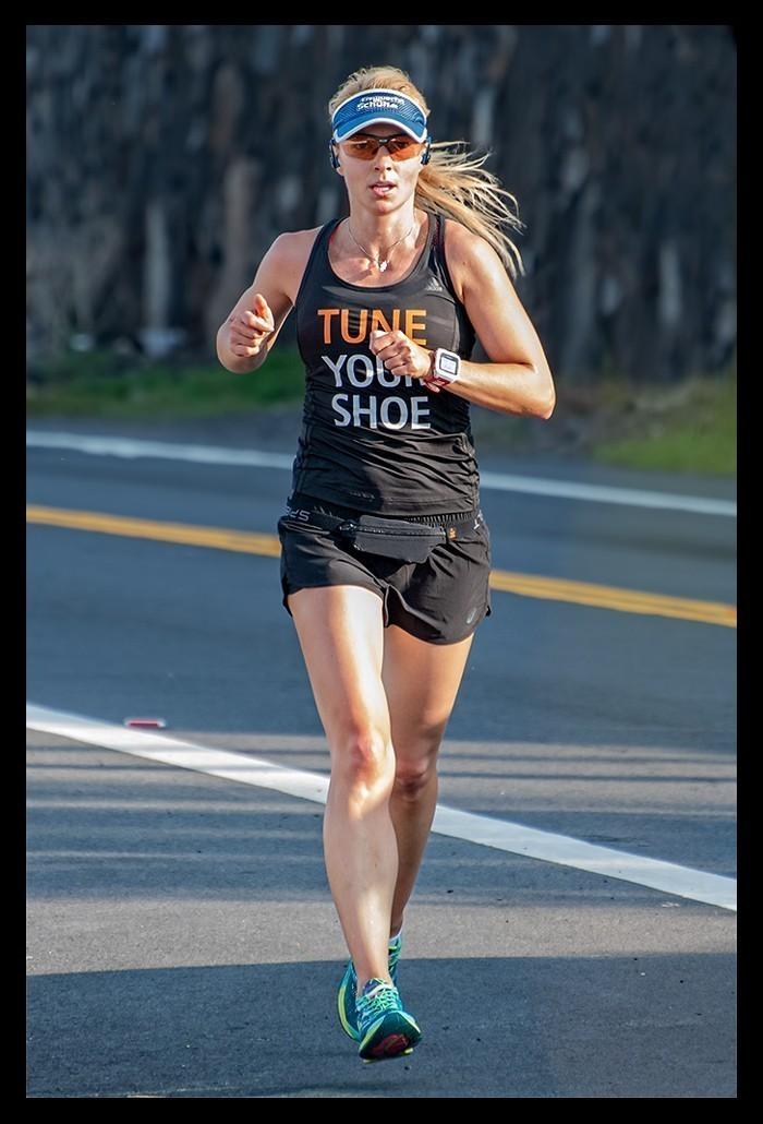 Triathletin laufend auf dem Alii Drive Big Island Hawaii Kona Reiseblog