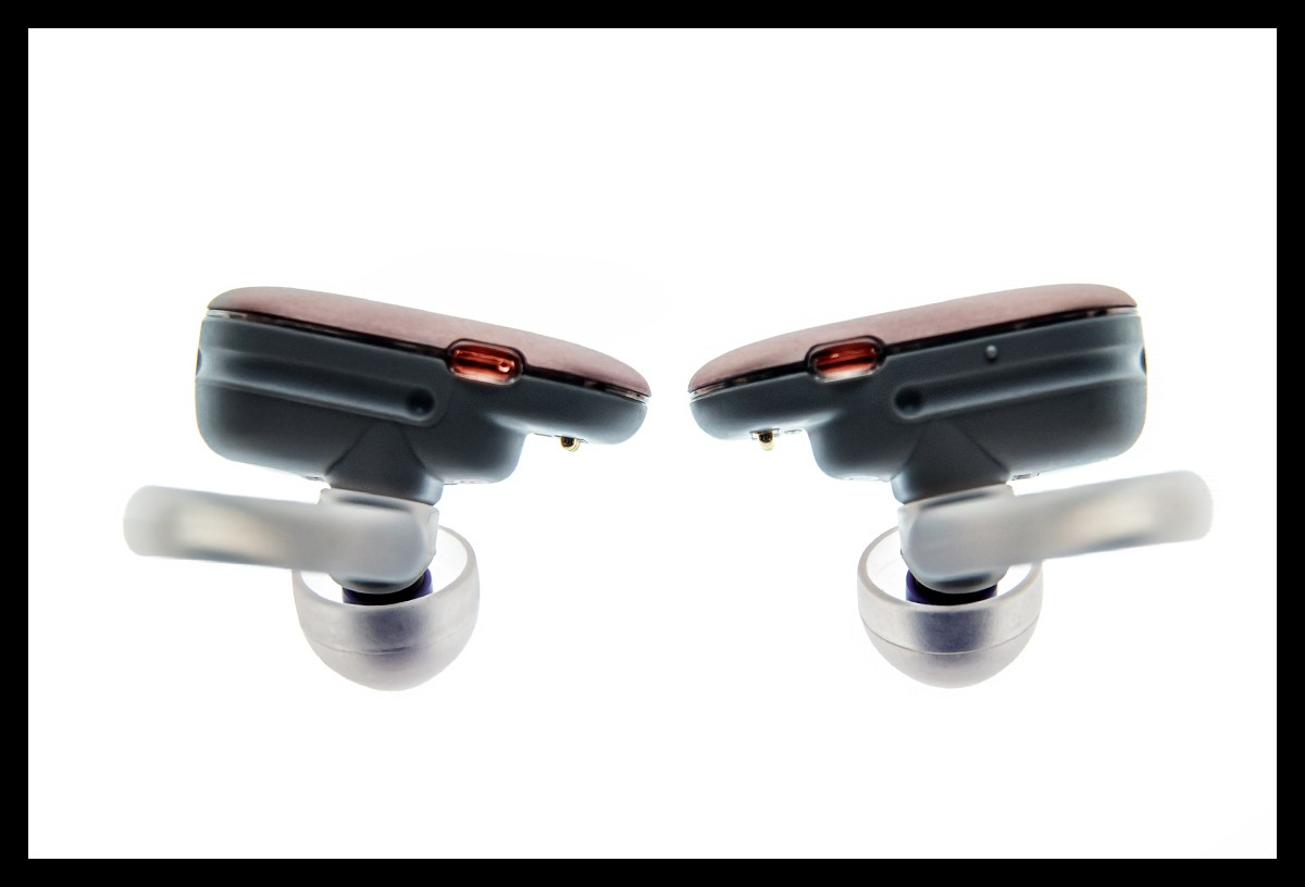 Sony WF SP900 Test einzelne Kopfhörer von Seite