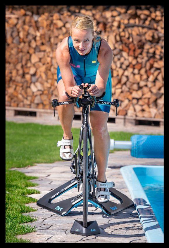 Triathlon Radtraining Indoor Smart Trainer Direktantrieb