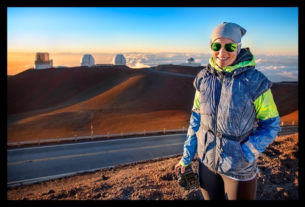 Mauna Kea Big Island Summit Gipfel mit Frau mit Kamera