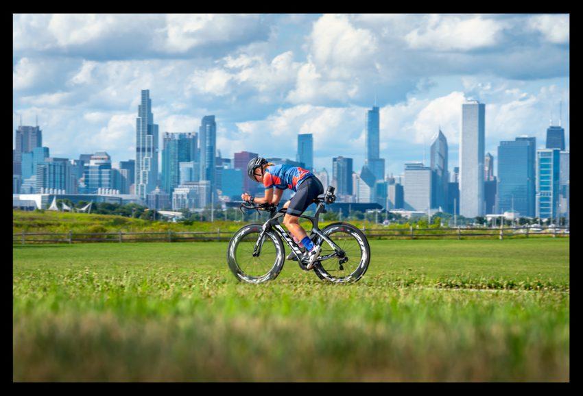 Triathlete Skyline Chicago on Timetrial Bike