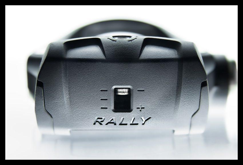 Garmin Rally Wattmess Pedalsystem Powermeter Pedal auf weißem Hintergrund Auslösen Härte