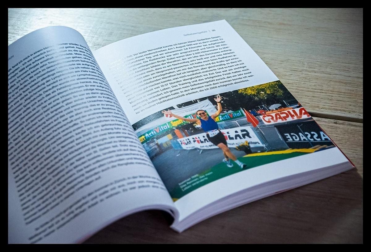 Frank Martin Belz Triathlet und Autor beim Finish seiner Langdistanz beim Ironman Switzerland